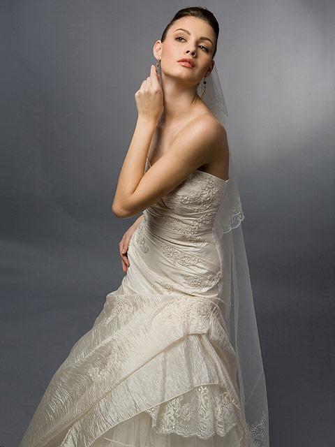 machiaj fotomodel in rochie de mireasa
